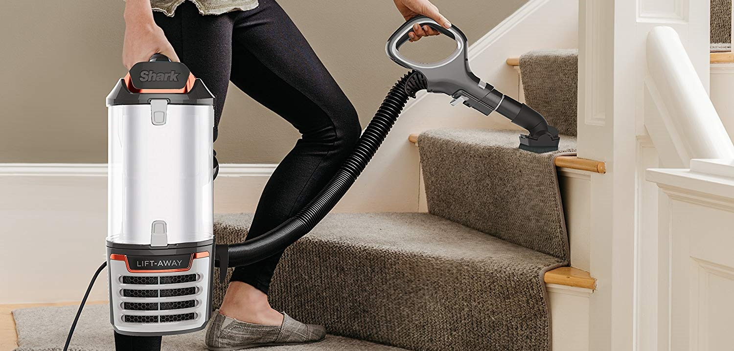 Shark Lift Away Speed Upright Vacuum w/ DuoClean NV771