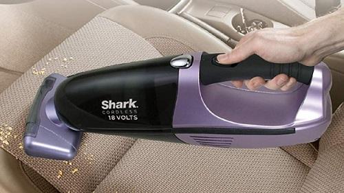 Shark vs Bissell vs Black+Decker