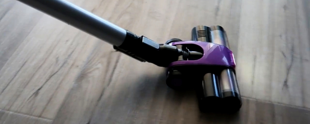 The Differences Between Stick Vacuums and Upright Vacuums